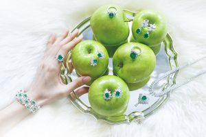 WEAR YOUR GREENS (AND GET TO KNOW THEM)