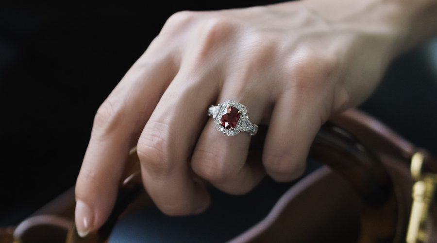 SAY YES TO A GEMSTONE ENGAGEMENT RING (LIKE ROYALTY)